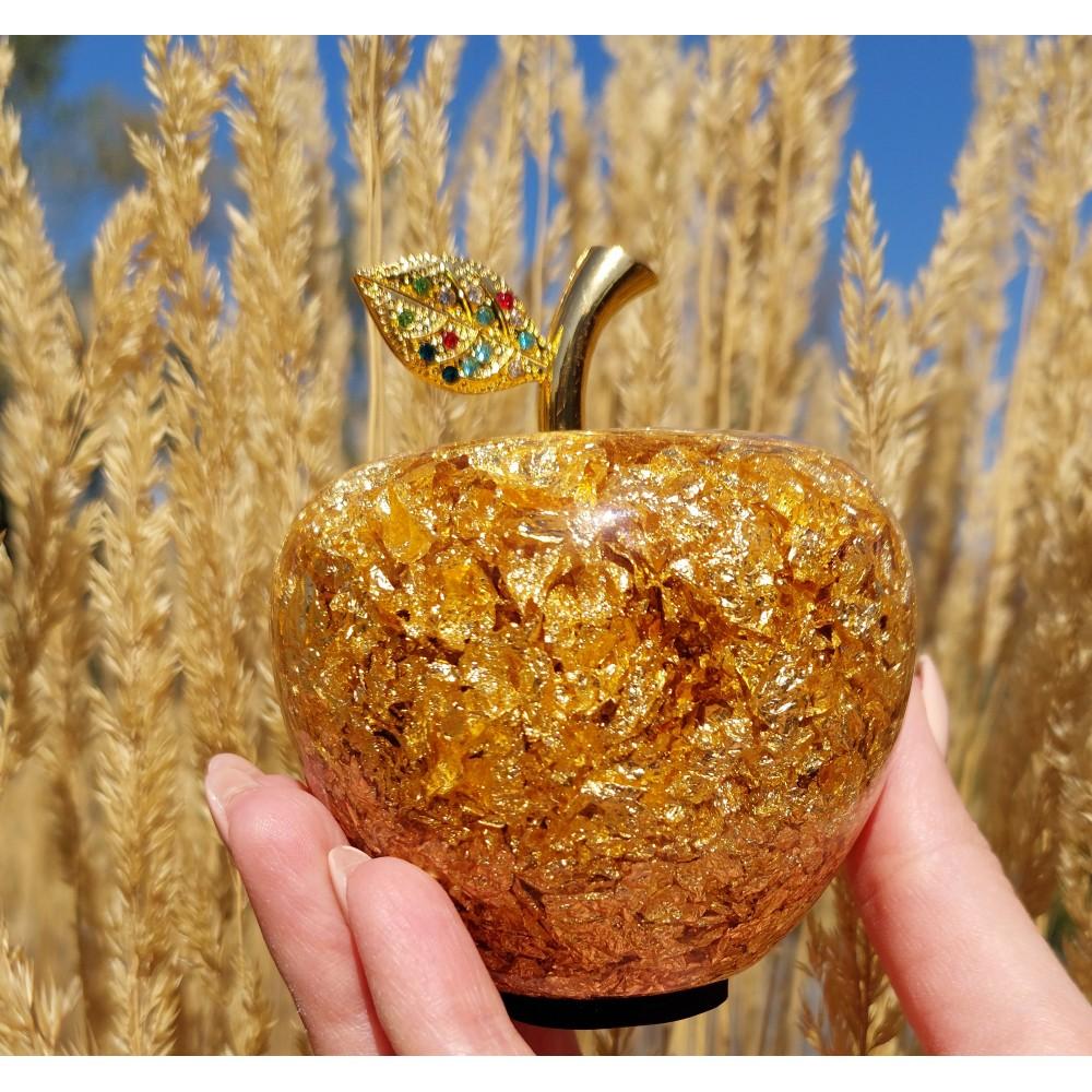 Статуэтка золотое яблоко