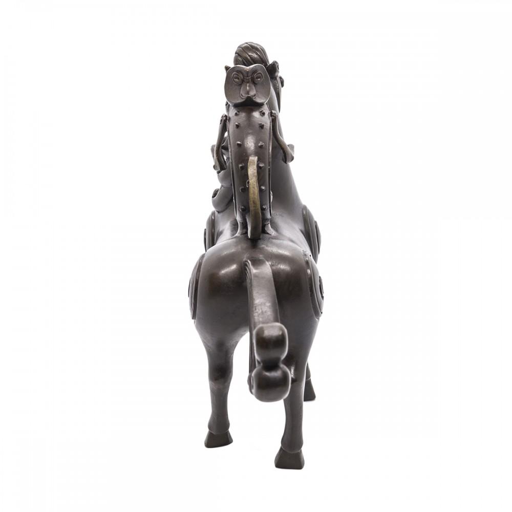 Статуэтка Обезьяна на лошади черная бронза
